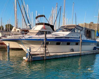 1986 Cruisers Yachts Ultra Vee 336