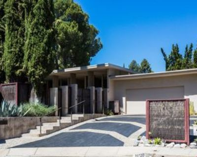16120 Sandy Ln, Los Angeles, CA 91436 5 Bedroom House