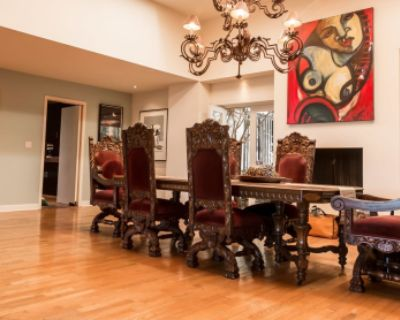 Hollywood Hills Production Paradise! Private View Estate, SIX LOOKS FOR PRICE OF ONE! Book now!, Los Angeles, CA