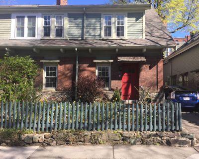 Two bedroom home in beautiful Brookline neighborhood, adjacent to Boston - Brookline