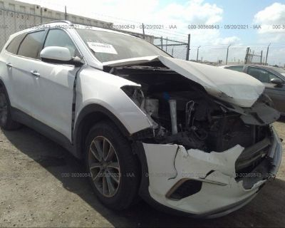 Salvage White 2017 Hyundai Santa Fe