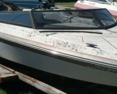 Comple Glass Windshield From A Baja 20' Parting Out Boat