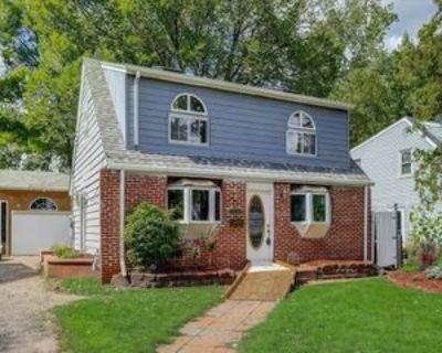 306 Van Buren Ave S, Hopkins, MN 55343 4 Bedroom Apartment