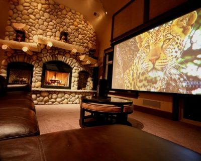 SKI-IN SKI-OUT, 2-HD Game Theaters,3-HOT TUBS,Sauna,Limo GolfCart,Ski Slope View - Lackawaxen