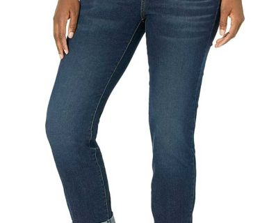 Signature by Levi Strauss & Co. Gold Label Womens Mid Rise Slim Boyfriend Jeans