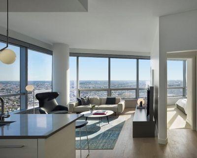 AKA Residences Stunning Sunset Views Suite w/ Gourmet Kitchen & WiFi - University City