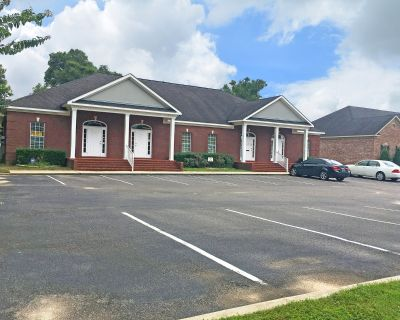 Professional Office Space on Oaktree Dr