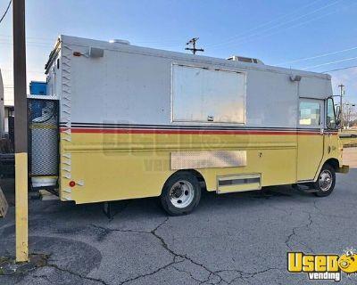 Fully Loaded 30' Chevrolet Grumman Step Van Mobile Kitchen Food Truck