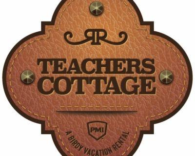 Teachers Cottage at RRR - A Birdy Vacation Rental - Comfort