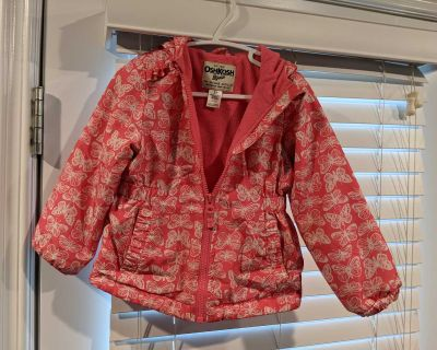 Kids fall/spring jacket size 2T with a nice hood