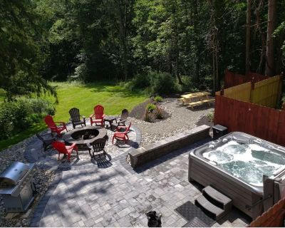 Pocono Getaway / Hot Tub / Fire Pit / Volleyball / Billiards / Ping Pong - Canadensis