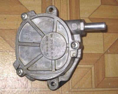 2012 2013 2014 Mercedes C250 Slk250 Vacuum Pump, Part# 2712301665, Oem