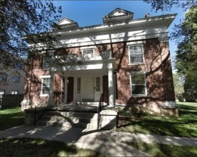 Historic District 3k Sq Home - Close to Everything - Dayton