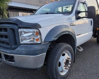 2006 Ford Super Duty F-550 Chassis Cab XL