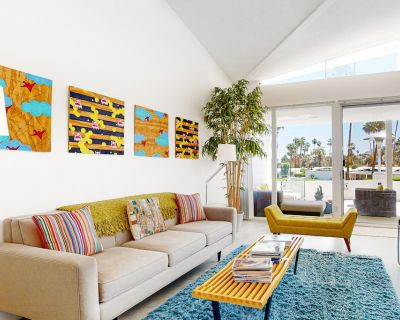 Stylishly furnished, family-friendly condo w/shared outdoor pool & pool spa! - Canyon View Estates
