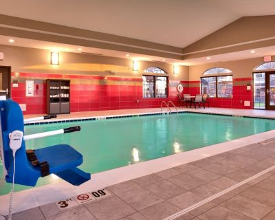 Free Breakfast Buffet Included! Pool & Hot Tub Access. Studio Near Downtown! - Cheyenne