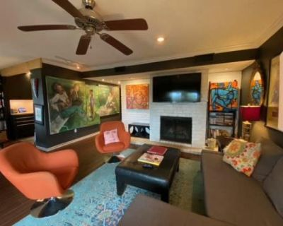 Colorful Art Filled Condo with Gallery Vibe, Beaumont, TX