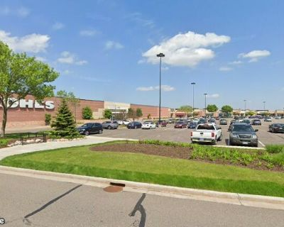 Woodbury Village - Retail Space for Lease