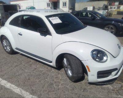 Salvage White 2018 Volkswagen Beetle