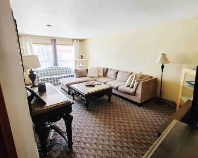 Beautiful 3BD Home in Racine with Back Deck!