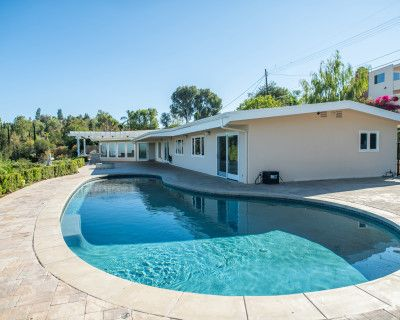 Breathtaking House View, Tarzana, CA