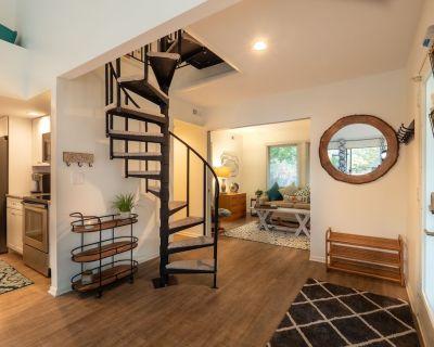 Sea Colony Gem! Renovated 4 Bedroom Condo! - Bethany Beach
