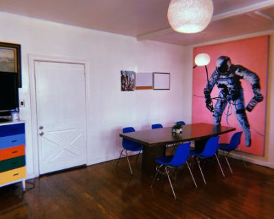 Recording Studio & Showroom Located In the Center Of Melrose Ave, Los Angeles, CA