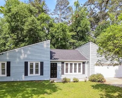 132 Riverchase Dr, Woodstock, GA 30188