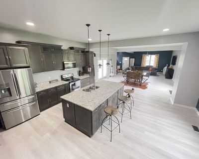 2300+ Sq. Ft. / 5 min to Downtown & Mass Ave! - Kennedy King