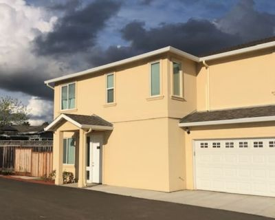 Private room with shared bathroom - Castro Valley , CA 94546