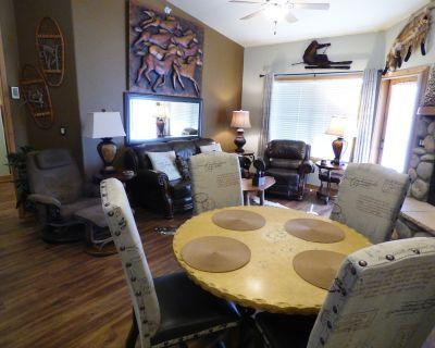 Midtown Mountain Escape - A Luxury 2 Bedroom, 2 Bath Condo in Midtown! - Ruidoso