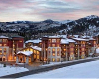 Luxurious Ski In/ Ski Out 1 BR, 2 Bath Premier Suite 1/22/21-1/25/21 - Park City