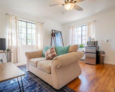 Loftium | Lovely 3 Bedroom & 2 Bath Suite + Private Balcony! - Washington Virginia Vale