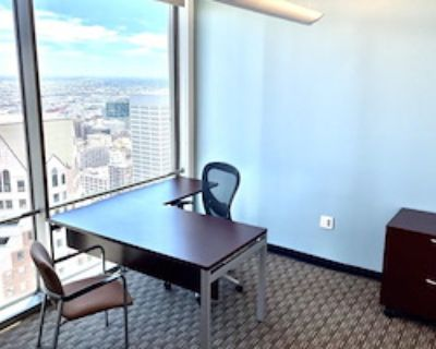 Private Office for 5 at US Bank Tower