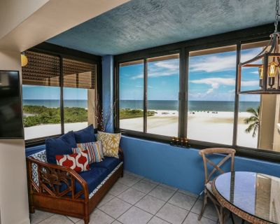 Elegant Yet Beachy Gulf-Front Condo in Paradise - South Island