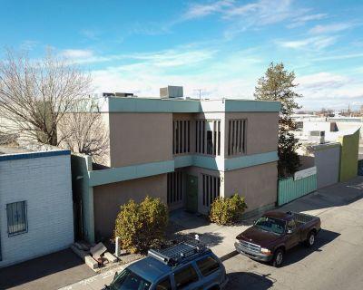 Office/Warehouse NE Heights