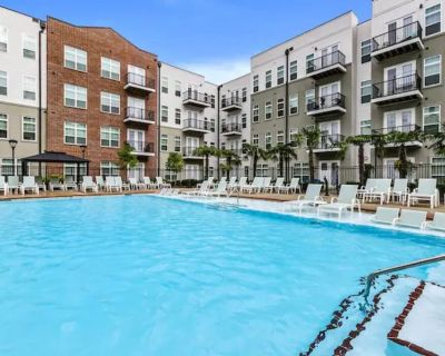 Spacious Suite in DTLA with 2BR, Pool & Gym!!! - Downtown Los Angeles