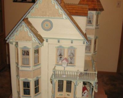 Chicago 91 Caddy Doll House Viking Sewing & More