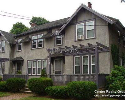 Newton Highlands - Renovated Duplex 4 Bedrooms,...