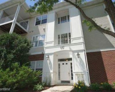 3317 3317 Stratford 1E, Lake Bluff, IL 60044 2 Bedroom Apartment