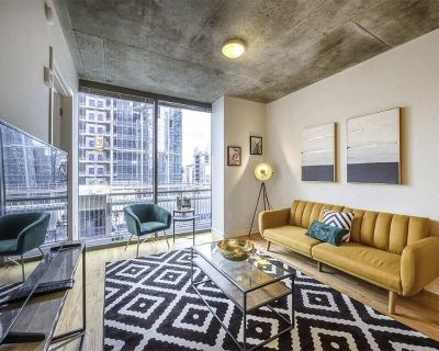 MID-CENTURY OASIS IN HEART OF IT ALL W/FREE PRKNG - Midtown