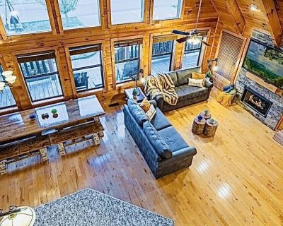 WOW!New on the market!Absolutely Awesome Cabin,Sleeps17,King Beds,Great Area - Pigeon Forge