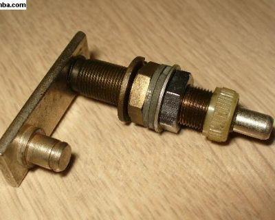NOS 68-69 Beetle Wiper Shaft