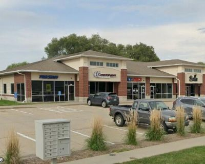 Retail Salon Space for Lease