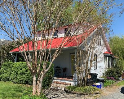 Town of Purcellville Country Charm (MLS# VALO433838) By Sue Smith