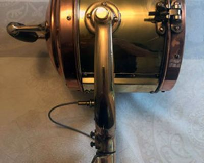 """Rushmore Searchlight, 8 1/2"""" Diameter, Excellent Condition, Electric lamp"""