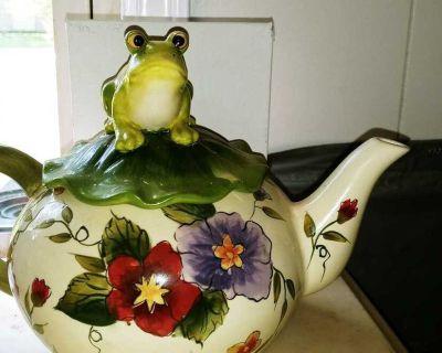 Frog Tea pot