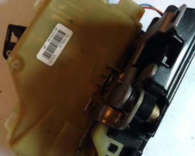 Touareg Front passenger side door latch / lock 3D1