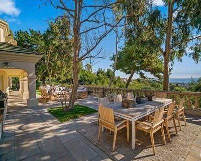 Pacific Palisades, California 6 Bedroom House For Sale