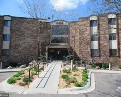 2 Bed 2 Bath Foreclosure Property in Hopkins, MN 55305 - Greenbrier Rd Apt 308